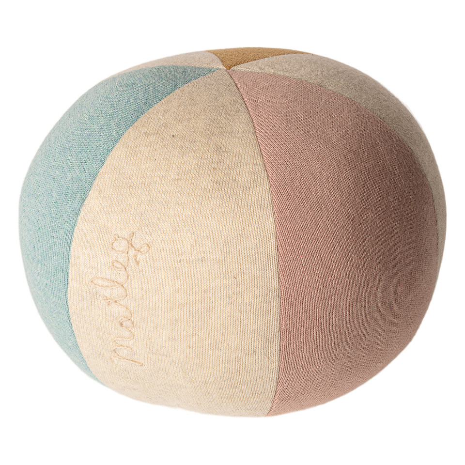 Ball in Rosa