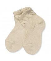 Socken in Beige mit Lochmuster