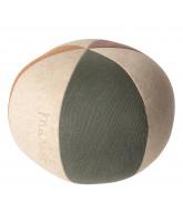 Ball in Grün